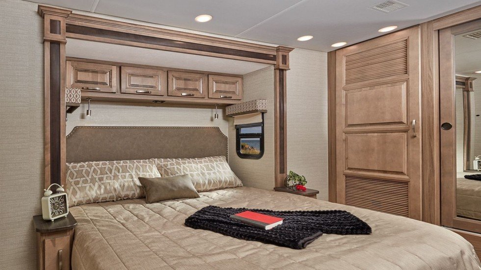 Компания Jayco показала самый роскошный в мире «дом на колесах» за $289,5 тысяч 3