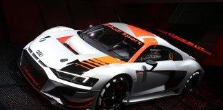 Показана Audi R8 за 30 миллионов рублей, на которой нельзя ездить по дорогам