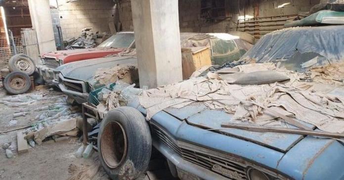 В сарае на Ближнем Востоке нашли коллекцию американских классических автомобилей