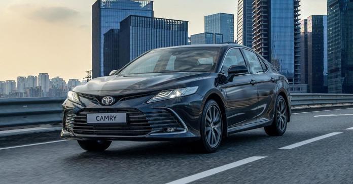 Обновленная Toyota Camry для России: все подробности и цены