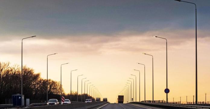 В России запретят ездить на автомобилях с грязными номерами по некоторым трассам