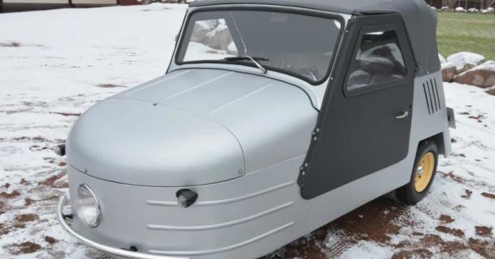 63-летнюю трехколесную мотоколяску без пробега продают в Санкт-Петербурге за 5,7 миллиона рублей