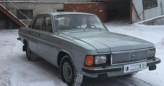 В России 20-летнюю «Волгу» без пробега продают по цене нового BMW X5