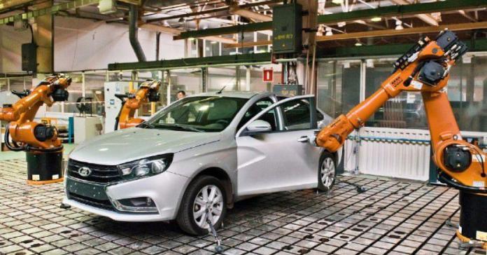 У «АвтоВАЗа» появился робот для открывания дверей